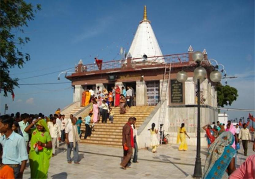sri-maihar-devi-temple_1412844211